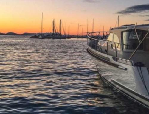 De Telegraaf over het varen met ons motorjacht bij Corfu