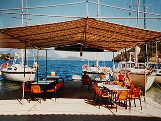 1982 restaurant Spilia in Spartaghori